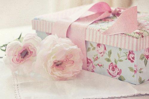 bow-flower-flowers-gift-girly-favim-com-228717