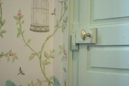 alix-door-home-pastel-tones-sweet-Favim.com-169785