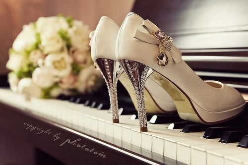 bouquet-piano-romanticism-shoe-upright-wedding-Favim.com-41063